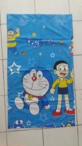 Sarung Bantal Cinta Doraemon