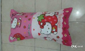 Bantal Cinta + Sarung Hello Kitty