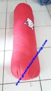 Guling Silicon Hello Kitty Merah