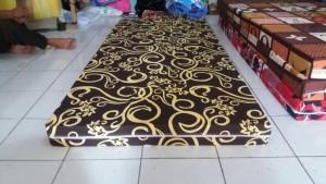 Kasur Busa Super 10014 Motif Abstrak Coklat Tralis